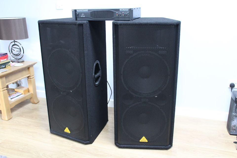 Behringer Eurolive VP2520 Dual 15'' Passive PA Speaker x 2 with Behringer Ep2000 Power Supply