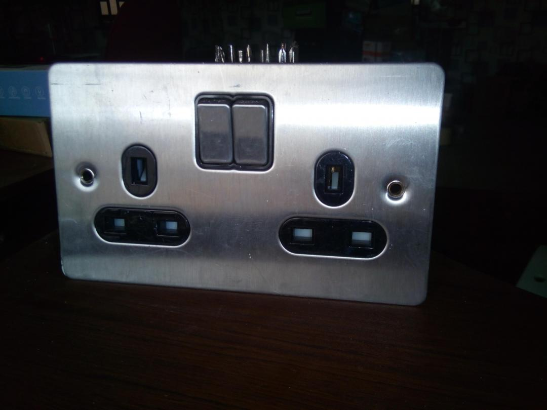 MK Y1502 2 Gang DP Switched Twin Socket 13A