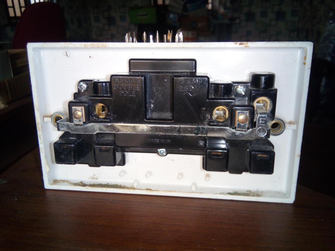 CONTACTUM 2 GANG SOCKET 13A/250V