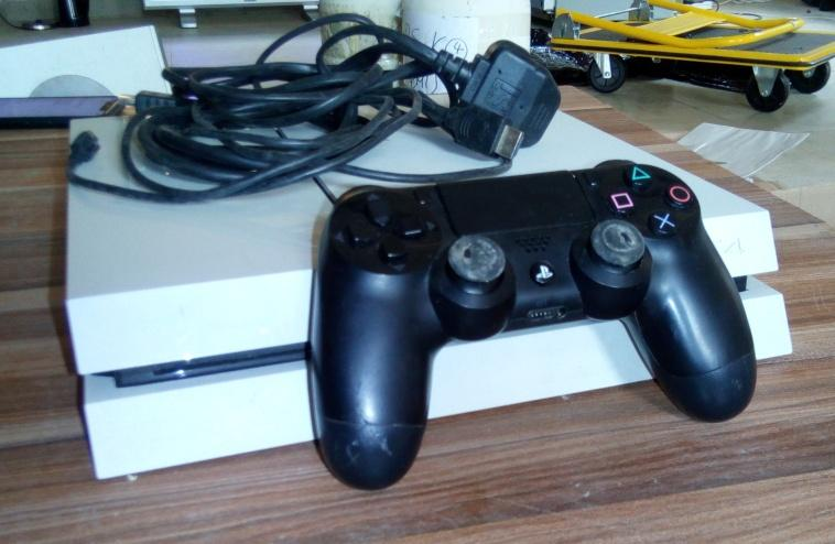 Play Station 4 With Game Pad For sale in Nigeria