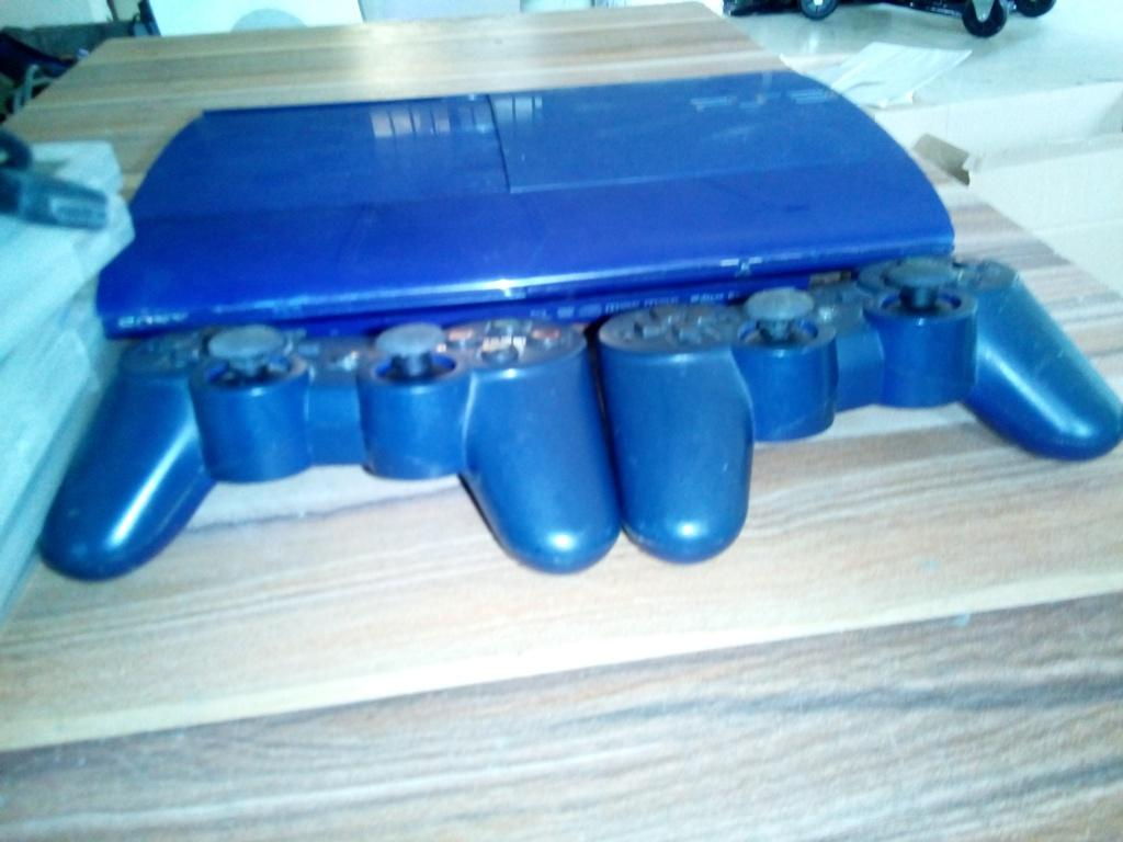 Play Station 3 With 6 games and 2 Game Control Pads For sale in Nigeria